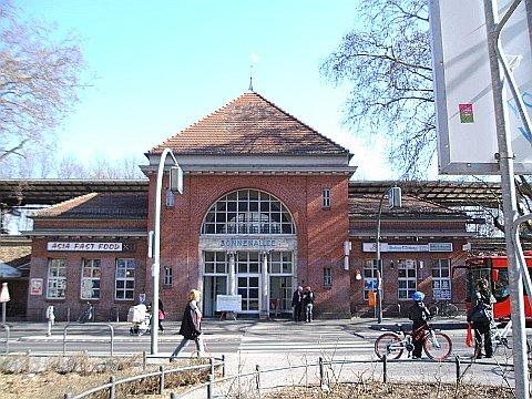 Siegfried-Aufhäuser-Platz