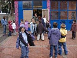 Neonazis auf Schulhof